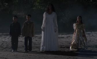 La_Llorona_with_children Grimm Wiki